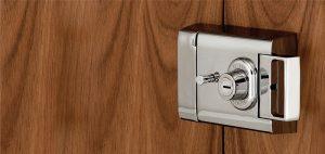 قفل برقی اینالیایی
